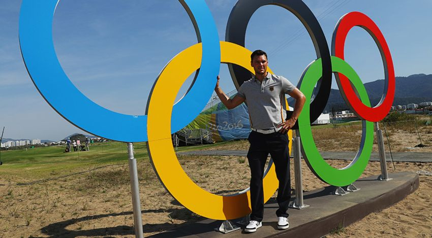 Martin Kaymer poses in front of the Olympic rings ahead of the golf competition in Rio. (Scott Halleran/Getty Images)