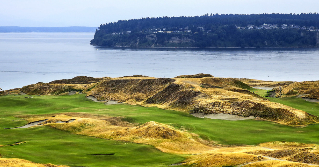 The 1st hole at Chambers Bay
